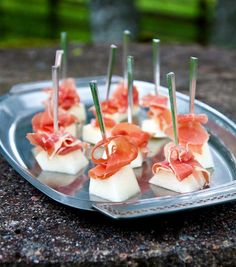 Förrätt med melon och lufttorkad skinka - Lilly is Love Halloumi, Dessert For Dinner, New Years Party, Different Recipes, Tapas, Cake Recipes, Good Food, Food Porn, Snacks
