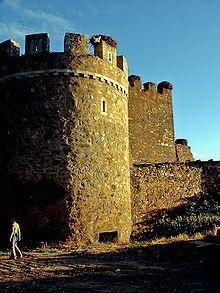 Castillo de Alija del Infantado - Wikipedia, la enciclopedia libre