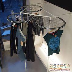 Markmus和Neoos以腳踏車元素來設計Glore服装商店