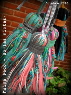 Maimé Deco Borlas mixtas decorativas! Totora de algodón, de tul, piolín, hilos varios y lanas...
