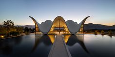 "BRG Magazine: ""Chapel in a South African Wine State, just outside Cape Town. Designed by Steyn Studio and Architecture Antique, Amazing Architecture, Architecture Design, Futuristic Architecture, Studio Arthur Casas, South African Wine, Zaha Hadid Architects, Kirchen, Cape Town"