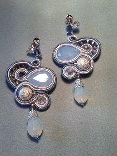 """Orecchini soutache modello """"Rubin Acqua""""  con Swarovski, czech crystal e bead"""