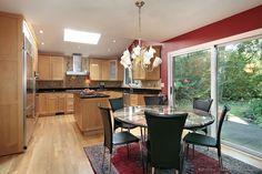 Traditional Light Wood Kitchen Cabinets #190 (Kitchen-Design-Ideas.org)