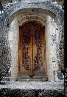 Grand Entrance, Entrance Doors, Doorway, Cool Doors, Unique Doors, Arched Windows, Windows And Doors, Beautiful Architecture, Architecture Details