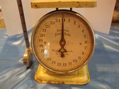 Vintage Yellow American Family 25lb Scale