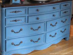 Aubusson Blue Dresser Redo - Thrift Store Dresser - Which handle did I make - #chalkpaint #aubussonblue