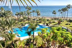Luxury penthouse for sale, front line beach at 5 stars Kempinski Hotel at Estepona offering all services.