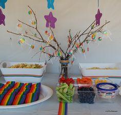 rainbow+party+lollipop+tree Rainbow First Birthday, Rainbow Unicorn Party, Singing Happy Birthday, Unicorn Birthday, Girl Birthday, Rainbow Lollipops, Rainbow Candy, 90th Birthday Parties, Birthday Ideas