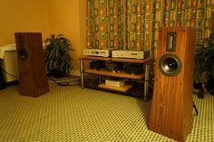 La Diva CD-Laufwerk und La Voce Dac von Aqua, Verstärker von Clones und Rhea Lautsprecher von Alta Audio
