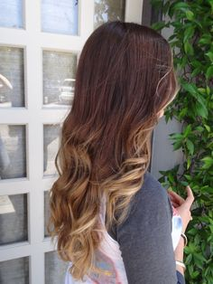 New Trend Ombre Hair Color Pictures | Women Hairstyles 2012, Men Hairstyles 2012, Latest Teen Hairstyles 2012,Celebrity Hairstyles 2012,Prom Hairstyles 2012