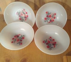 Fire King PRIMROSE 4 Small Fruit Dessert Bowls Anchor Hocking Milk Glass USA 60s