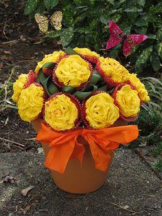 Pretty flower cupcakes