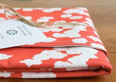 I love the color and it has poppies! Looks like I will have to buy things via Etsy to get the colors I want.  Maybe I can buy plan colored sheets, etc and then just accent with things like this.