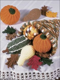 Free Fall Crochet Patterns - Halloween Crochet Patterns - Page 1 Crochet Fruit, Crochet Pumpkin, Crochet Fall, Halloween Crochet, Holiday Crochet, Crochet Home, Crochet Crafts, Crochet Flowers, Crochet Projects