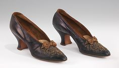 Evening Shoes. 1900.  H. Jantzen Shoe Co.  Kidskin with beaded accents.