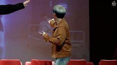 Imitating Jooheon  @official_monsta_x #monstax #monsta_x #starshipentertainment #wonho #hyungwon #jooheon #kihyun #changkyun #shownu #minhyuk #monbebe #원호 #형원 #셔누 #기현 #주헌 #민혁 #아이엠 #IM #몬스타엑스