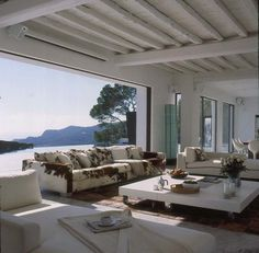 Buitengewoon Binnen ibiza villa
