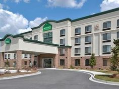 Savannah (GA) Wingate By Wyndham Savannah I 95 North Hotel United States, North America Stop at Wingate By Wyndham Savannah I 95 North Hotel to discover the wonders of Savannah (GA). The hotel offers guests a range of services and amenities designed to provide comfort and convenience. Facilities like pets allowed, 24hr room service, disabled facilities, meeting facilities, business center are readily available for you to enjoy. Each guestroom is elegantly furnished and equippe...
