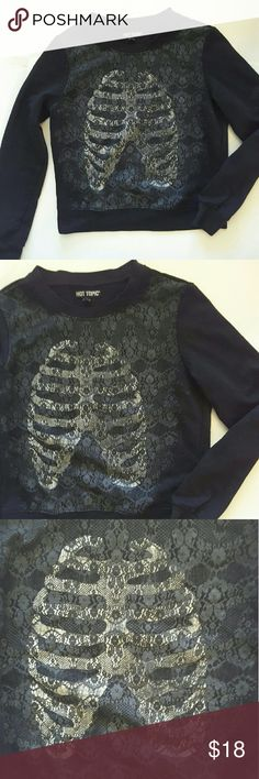 Hot topic skeleton Rib cage sweatshirt with lace print 18 inches from armpit to armpit 19 inches from the shoulder to bottom of shirt Hot Topic Tops Sweatshirts & Hoodies