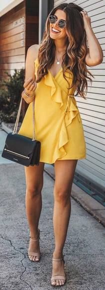 23 Most Popular Spring Outfits That Make You So Beautiful should to inspire all womenˇs on the world. Look her and try these most beautiful outfits. Trendy Dresses, Casual Dresses, Casual Outfits, Cute Outfits, Fashion Outfits, Wrap Dresses, Fashion Clothes, Cool Summer Outfits, Spring Outfits