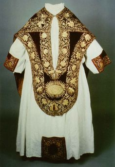 """Fig. 24a: """"Fredenhagen Chasuble"""" from St. Mary's Church, Lübeck [front] Photograph: Museum for Art and Cultural History in Hanseatic Lübeck."""