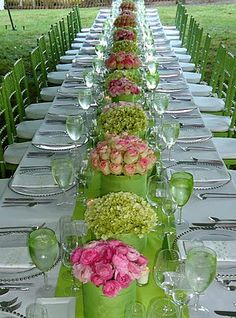Hydrangeas pink roses and green glasses