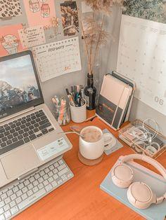 Desk Inspo, Workspace Inspiration, Study Inspiration, Study Desk Organization, Study Photos, School Study Tips, Room Design Bedroom, Study Space, Study Motivation