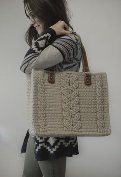 Free Crochet Pattern for the Matilda Tote - Crochet Cables Bag