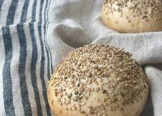 Saisonale Rezepte - Backen mit Christina Hamburger, Bread, Food, Rocks, Pastries Recipes, New Recipes, Yogurt, Rye Bread, Brot