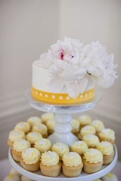 cakes and cupcakes #treswedding