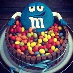 M taart gemaakt. Leuk voor verjaardagen