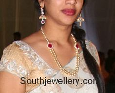 Simple south sea pearls mala with two rows of south sea pearls attached to ruby clasps, paired up with diamond jhumkis. Indian Jewellery Design, Bead Jewellery, Indian Jewelry, Beaded Jewelry, Jewelry Design, Jewelry Logo, Silver Jewelry, Jewelry Bracelets, Pearl Jewelry