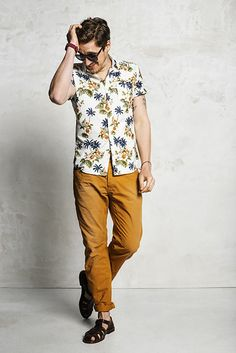 Ochreous is a common color this season to combine with prints #wefashion #mensfashion #prints