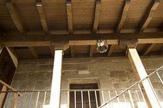 Paneles sándwich THERMOCHIP® en el porche de una casa tradicional de piedra | #panel #madera #design #arquitectura