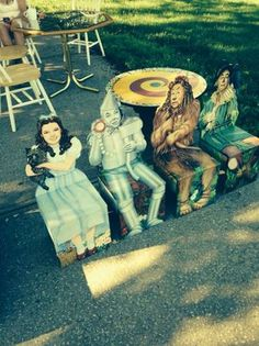 OH MY GOOD GRACIOUS!!! Wizard of oz table and chairs - $250