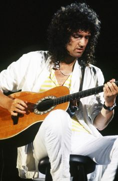 Brian May unplugged