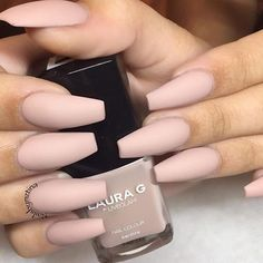 @laurag_143 polishes Repost @nailsbymztina #hudabeauty