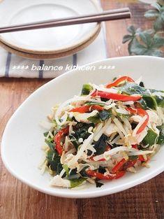 ダイエットにも。しっとりささみとわかめの中華風サラダ by 河埜 玲子 「写真がきれい」×「つくりやすい」×「美味しい」お料理と出会えるレシピサイト「Nadia | ナディア」プロの料理を無料で検索。実用的な節約簡単レシピからおもてなしレシピまで。有名レシピブロガーの料理動画も満載!お気に入りのレシピが保存できるSNS。