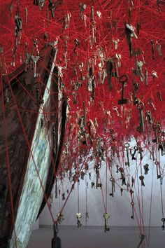 biennale, biennale venice, Chiharu Shiota, installation, key