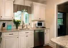 Are you torn between the idea of a homey traditional kitchen and a more streamlined, modern version?  Lets take a look at this kitchen featuring cambria windermere paired with a noce subway style backsplash.