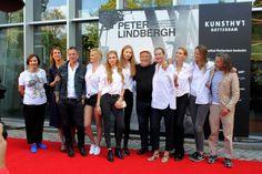 In beeld: Peter Lindbergh en zijn supermodellen in Rotterdam