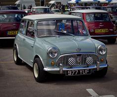 Gaydon Mini Show 2012 Mini Cooper Classic, Classic Mini, Classic Cars, Mini Clubman, Mini Countryman, Retro Cars, Vintage Cars, Minis, Mini Morris