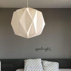 DIY lampe origami - origami lamp - www.pierrepapierciseaux.be