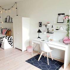 Dressing table with fairy lights scandi style bedroom with a desk Home Office Design, Home Office Decor, Home Decor, Office Chic, Office Ideas, Scandi Bedroom, Bedroom Decor, Study Room Decor, Scandi Style