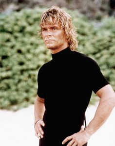 Patrick Swayze on the beach as Bodhi in the classic action movie Point Break . Patrick Swayze Point Break, Point Break 1991, Avatar, Movies Point, Patrick Wayne, Cinema, Star Wars, Dirty Dancing, Tough Guy
