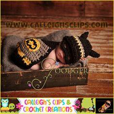 Ravelry: Batbaby and Sidekick Cuddle Critter Cape Sets - Newborn Prop pattern by Elisabeth Spivey