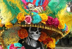 The Best Pictures From Mexico City's Day of the Dead Parade The skulls may fool you, but the festival is a celebration of life Up Halloween, Vintage Halloween, Vintage Witch, Halloween Costumes, Halloween Makeup, Mexico Day Of The Dead, Ancient Aztecs, Mexican Holiday, Sugar Skull Art