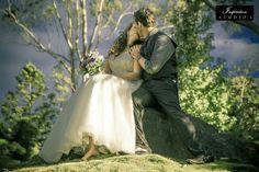 Weddings Wedding Photography, Photography Ideas, Elegant Wedding, Wedding Styles, Wedding Planning, Couple Photos, Couples, Wedding Dresses, Weddings
