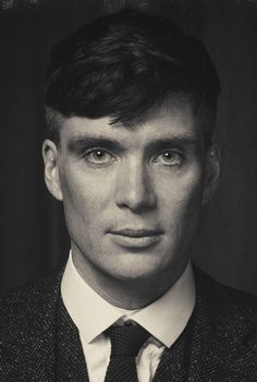 Cillian Murphy - The Gangster Thomas Shelby Peaky Blinders 💜 Peaky Blinders Poster, Peaky Blinders Wallpaper, Peaky Blinders Season, Peaky Blinders Series, Peaky Blinders Quotes, Peaky Blinders Tommy Shelby, Peaky Blinders Thomas, Cillian Murphy Peaky Blinders, Thomas Shelby Haircut