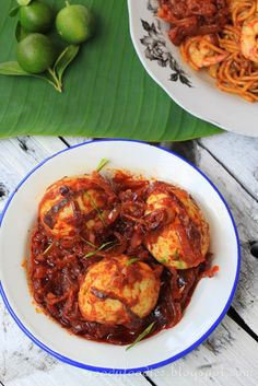 Eat Your Heart Out: Recipe: Sambal telur (Malaysian Egg Sambal) Egg Recipes, Seafood Recipes, Asian Recipes, Cooking Recipes, Healthy Recipes, Ethnic Recipes, Asian Desserts, Healthy Food, Indonesian Recipes